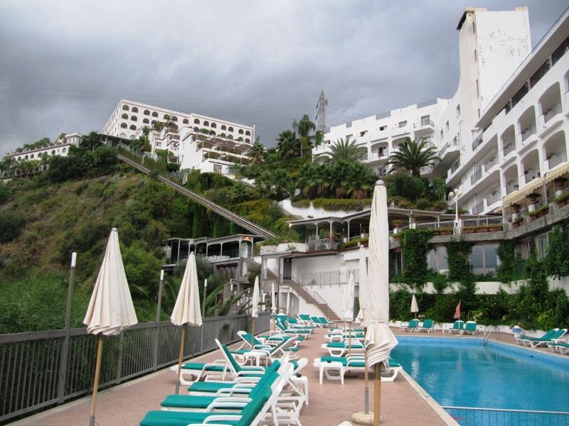 Szicília nyaralás: A domboldalba épült Parc Hotel szállodák középső tagja, ahonnan lélegzetelállító panoráma terül a szemünk elé...