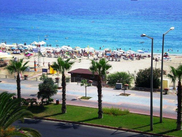 http://utazom.com/sites/default/files/hotel-szallas/37011/hotel-melissa-kleopatra-beach_0.jpg