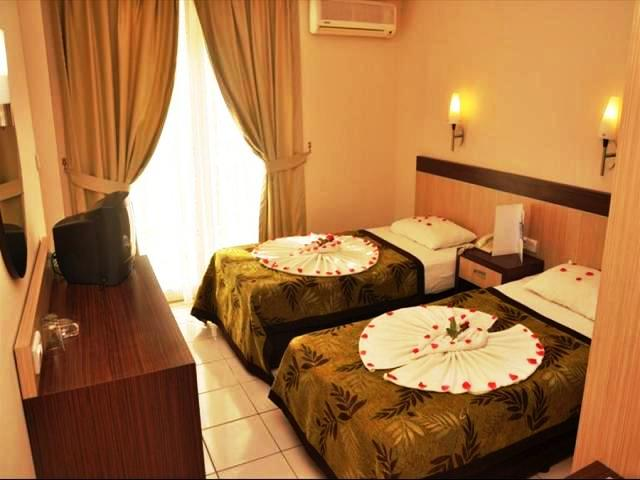 http://utazom.com/sites/default/files/hotel-szallas/37011/hotel-melissa-kleopatra-beach_3.jpg
