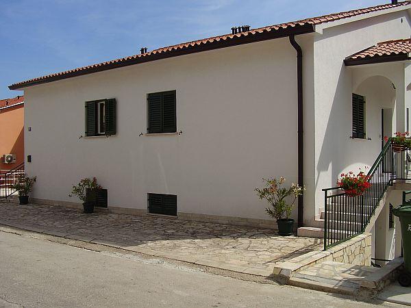 Nyaraljon Horvátországban, a turisták által kedvelt lélegzetelállító szépségű Rabac településen!