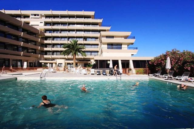 Residence les calanques apartman ajaccio for Appart hotel ajaccio