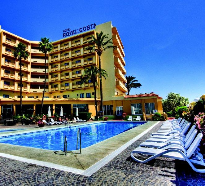 A szálloda Torremolinos nyugodtabb, Los Almos részén helyezkedik el 1,5 km-re a központtól, 700 méterre a strandtól. Fekvésének köszönhetően kiváló választás a békés, nyugodt kapcsolódást kedvelők számára. A modern, stílusos berendezés, a számtalan szolgáltatás, valamint a szívélyes fogadtatás garanciát jelent egy emlékezetes üdülés eltöltésére.
