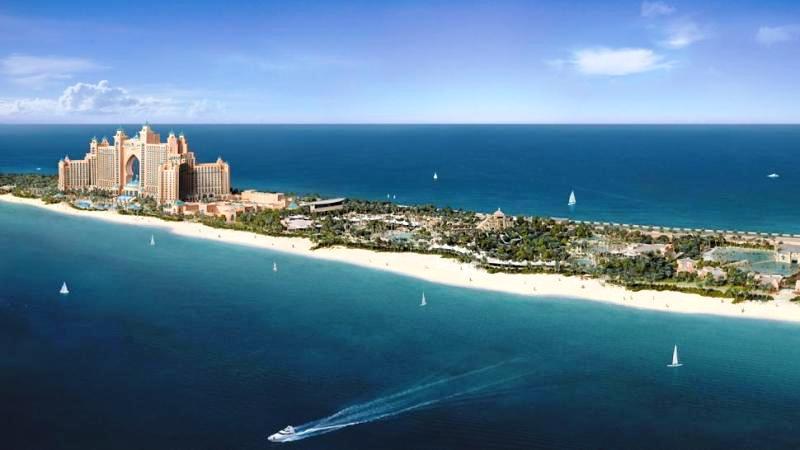 Az 5 csillagos Atlantis The Palm Hotel minden képzeletet felül múlva váraja vendégeit Dubai legszebb tengerparti szakaszán, a Jumeirah Beach-en. A szálloda számos szolgáltatással és szinte felfoghatatlan luxussal és eleganciával teszi felejthetetlenné egzotikus nyaralásunkat. A világ egyik legismertebb szállodája nem fog csalódást okozni.