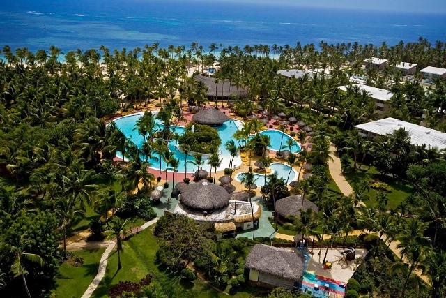 Punta Cana lélegzetelállító fehérhomokos tengerpartján helyezkedik el a kiváló színvonalú és roppant széleskörű szolgáltatásokat nyújtó szálloda. A számtalan sport és szórakozási lehetőségeket kínáló hotelben lehetetlen unatkozni, családoknak és pároknak is remek választás!