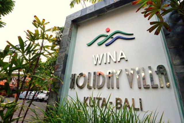 Kuta Beachen, Bali legnépszerűbb és legfelkapottabb partszakaszán helyezkedik el a szálloda. A városközpont kényelmes séta távolságra található. A szálloda épülete hagyományos balinéz stílusban épült és egy csodálatos kert közepén terül el. Teljes kikapcsolódást biztosít minden vendégnek ez a paradicsomi környezet.