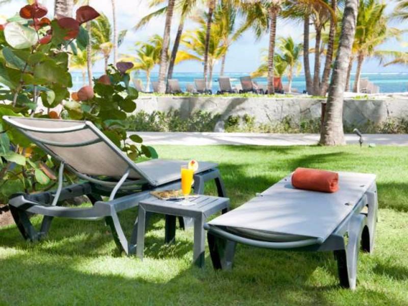 Punta Cana lélegzetelállító fehér homokos tengerpartján helyezkedik el a kiváló színvonalú és roppant széleskörű szolgáltatásokat nyújtó szálloda. A számtalan sport és szórakozási lehetőségeket kínáló szállodában lehetetlen unatkozni. A szállodában kizárólag 18 éven felüli, felnőtt vendégeket fogadnak.
