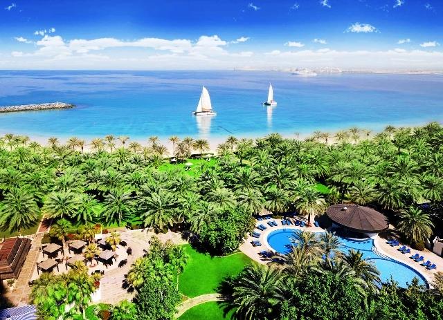 Az exkluzív szálloda Dubai tengerparti szakaszán, a csodálatos Marina városrészben, a finomhomokos tengerparton helyezkedik el egy trópusi kertben. A népszerű ´The Walk´ sétány innen indul, lélegzetelállító sétát tehetünk a felhőkarcolók tövében a varázslatos tengerparton. Az elegáns és modern szálloda magas színvonalú szolgáltatásaival, ízléses szobáival mind a nyaraló, mind az üzleti célból Dubaiba érkező vendégek igényeit kielégíti.