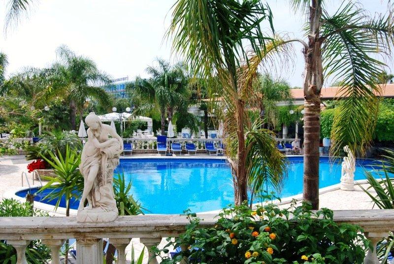 Sant Alphio Hotel