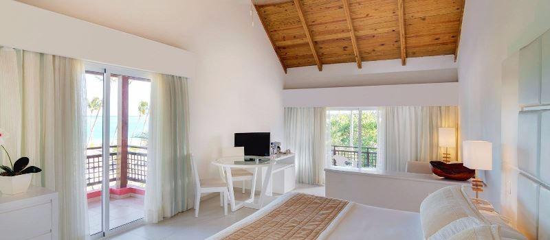 A Punta Cana Princess szálloda közvetlenül a Bavaro beach partszakaszon fekszik, az épületek a tengerpart közelében helyezkednek el egy gyönyörű trópusi kertben, Punta Cana repülőtértől fél órás autóútra. A szálloda csak felnőtt vendégeket fogad.