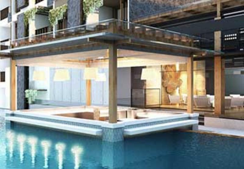 A szálloda tökéletes elhelyezkedésének köszönhetően mindössze 5 percre található a Jerman Beach, ahol gyönyörködhet a rengeteg halászhajóba, vagy tanulmányozhatja a közeli repülőtéren leszálló gépeket. A közeli Kutu Beach-en számtalan vízisportot kipróbálhat. A szállodából könnyen elérhető a Circus Water Park, a Waterbom Bali és a Bali Wake Park, melyek további kikapcsolódási és szórakozási lehetőségeket biztosítanak a vendégek számára.