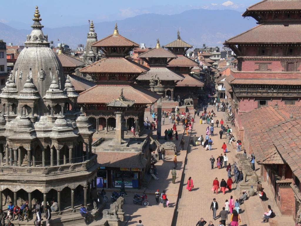 Gyalogtúrára indulunk a káprázatos Annapurna-régióba a Himalája hófedte csúcsai között, célunk az Annapurna-csúcs alaptábora. A hegyi túra mellett kulturális látnivalók is várnak ránk Pokharában és a Kathmandu-völgyben. Pewa-tó, Világbéke sztúpa, Patan, Bakhtapur, Nagarkot, Swayanbunat sztúpa, Bodhanat sztúpa és még egy feledhetetlen raftingtúra is vár rád, ha velünk tartasz. Irány a Himalája!