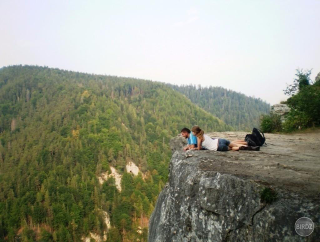 Ha szereted a látványos folyóvölgyeket, az izgalmas turistautakat, és egy egynapos kirándulás keretében szeretnéd bejárni a Szlovák Paradicsom Nemzeti Park egyik legismertebb turistaútját, akkor ezt a túrát neked találták ki! Egy távban hosszú, de szintkülönbségben nem jelentős túra során kezdetétől a végéig bejárjuk a Hernád szűk áttörését, majd felkapaszkodunk a méltán népszerű Tamásfalvi-kilátóba, hogy felülről is megcsodáljuk a természet e nagyszerű alkotását.