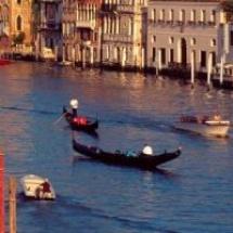 A gondolák városa, Velence