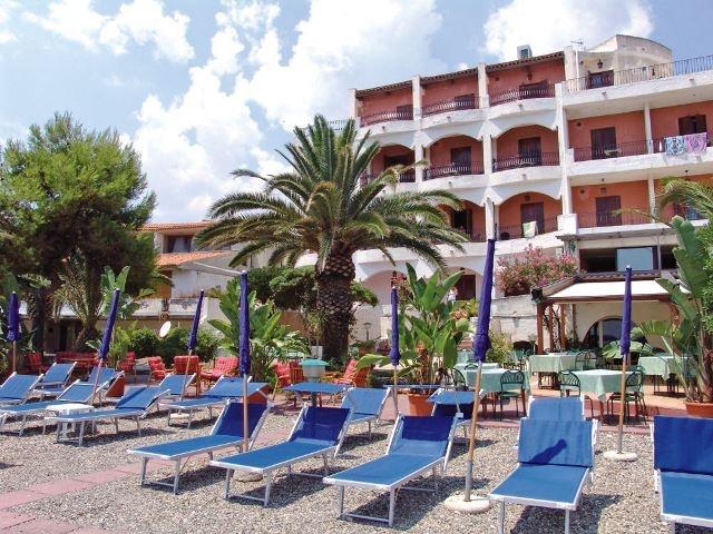 Hotel Kalos *** Giardini Naxos