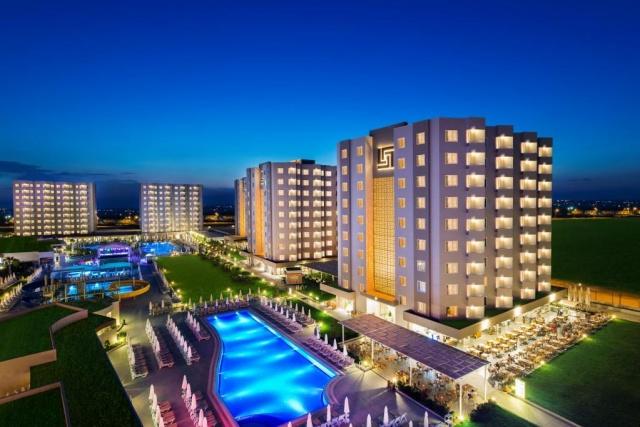 Hotel Grand Park Lara ****+ Antalya