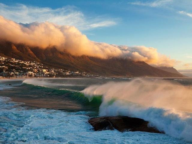 Dél-Afrikai Kalandok fehér cápás merüléssel