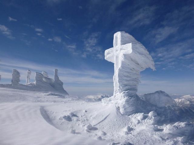 Hótalppal a Schneeberg csúcsára