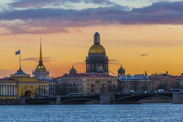Észak Velencéje, Szentpétervár ***+