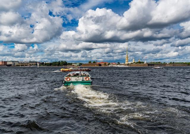 Észak Velencéje, Szentpétervár, Novgoroddal****