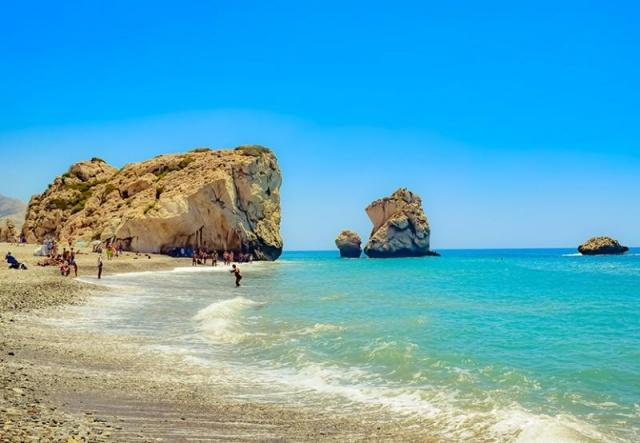 Nyárbúcsúztató Cipruson