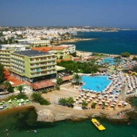 Eri Beach & Village Hotel **** - Kréta, Hersonissos