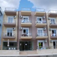My Hotel Apartmanház - Paralia Busszal