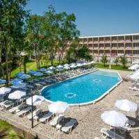 Riva Hotel *** Napospart