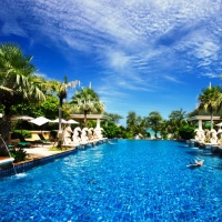 Dubai 3 éj **** és Phuket 7/9/12éj Graceland Resort ****