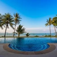 Chiang Mai **** 3/4 éj és 7 éj Hotel Village Coconut Island Beach Resort ***** Phuket