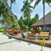 Hotel Reethi Faru Resort **** Maldív-szigetek