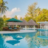 Hotel Equator Village *** Maldív-szigetek