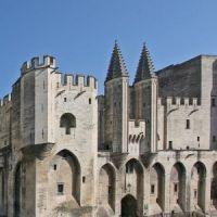 Közép- és Dél-Franciaország gyöngyszeme, híres fürdőhelyei (Milanó, Lourdes, Bordeaux)