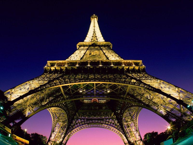 Hétvége Párizsban (Paris) programajánlatunk egy felejthetetlen hétvégi utazás a divat fővárosába, mely mindenkit elbűvöl. A Szajna-parti metropolisznak világhírű a történelme, művészete és kultúrája, de a konyhaművészet terén is a világ élvonalában jár.  A városlátogató program tetszőleges indulási nappal és időtartamra foglalható!  Utazás, körutazás, városlátogatás, hosszú hétvége: Párizs a legjobb ajánlat!