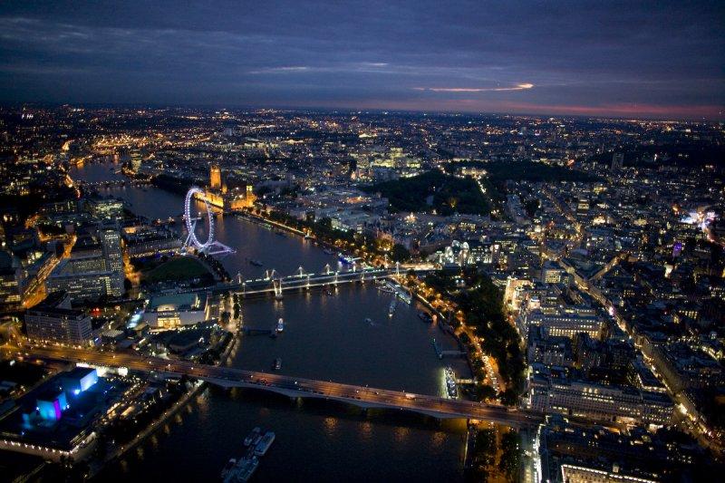 Hétvége Londonban: egy felejthetetlen utazás a világ egyik kulturális központjába, egy igazi világvárosba. London sokszínűségével, tradícióival, gazdag történelmi múltjával és pezsgő éjszakai életével garantáltan lenyűgöz mindenkit, aki ellátogat ebbe a fantasztikus, egyedi hangulatú városba. A városlátogató program tetszőleges indulási nappal és időtartamra foglalható!