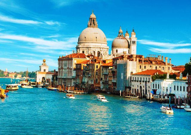 Egyéni Városlátogatás Velencében *** Repülővel (5nap): A városlátogatás program tetszőleges indulási nappal és időtartamra foglalható!  Utazás, körutazás, városlátogatás, hétvége: Velence az egyik legjobb úticél!