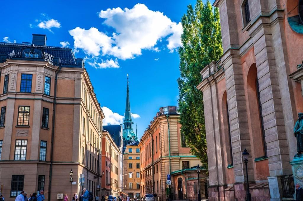 Műemlék épület ad helyet a szállodának, amely a svéd főváros központjában található. Tökéletes választás városlátogatásra, mert a híresen tagolt Stockholmban a belvárosi elhelyezkedés a kellemes időtöltés záloga. Kitűnő tömegközlekedési lehetőségek, több autóbusz és metró megálló is párszáz méteres körzeten belül. A szálloda szélessávú WIFI-vel és jól felszerelt szobákkal teszi kényelmessé az ott tartózkodást.