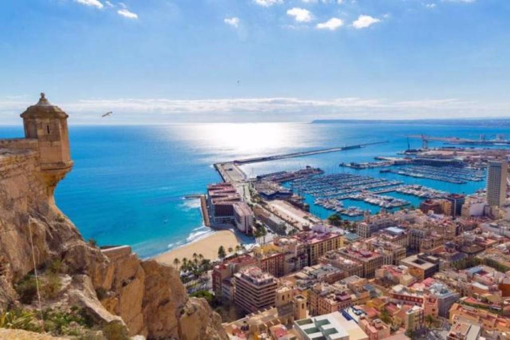 4 napos városlátogatás **** Alicante egyénileg (4 napos egyéni városnézés 4* Alicante)