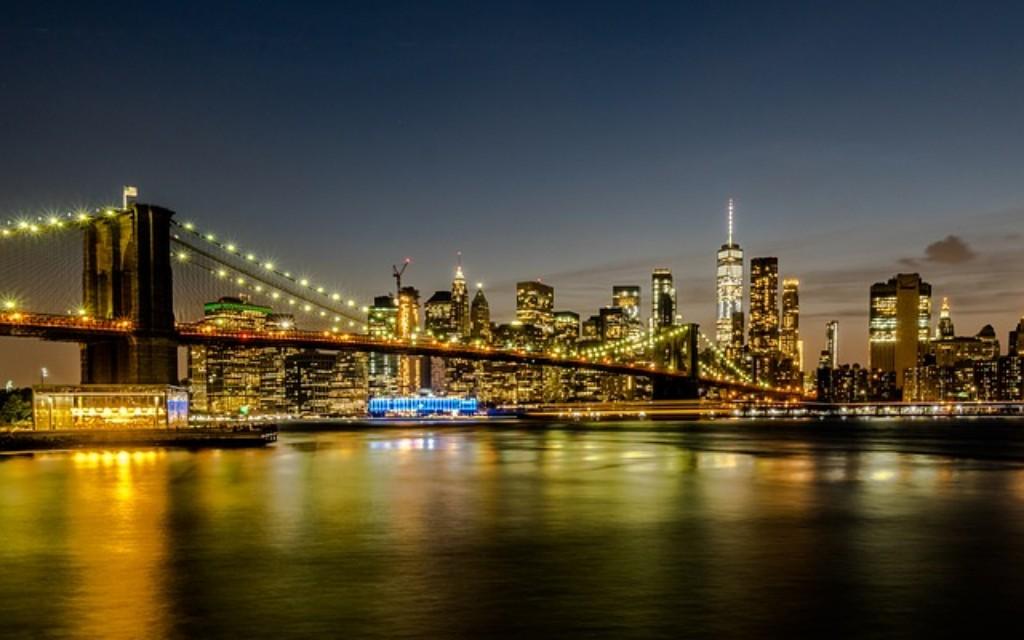 Ismerje meg New York csodás világát: várja Önt a híres RIU Plaza Manhattan szívében, egy trendy rooftop brunch vagy egy ízletes vacsora, a kilátás a világ legmagasabb obszervatóriumából és a modern művészetek világa.